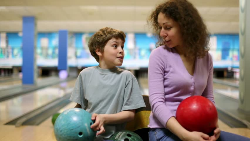 mothersonbowling