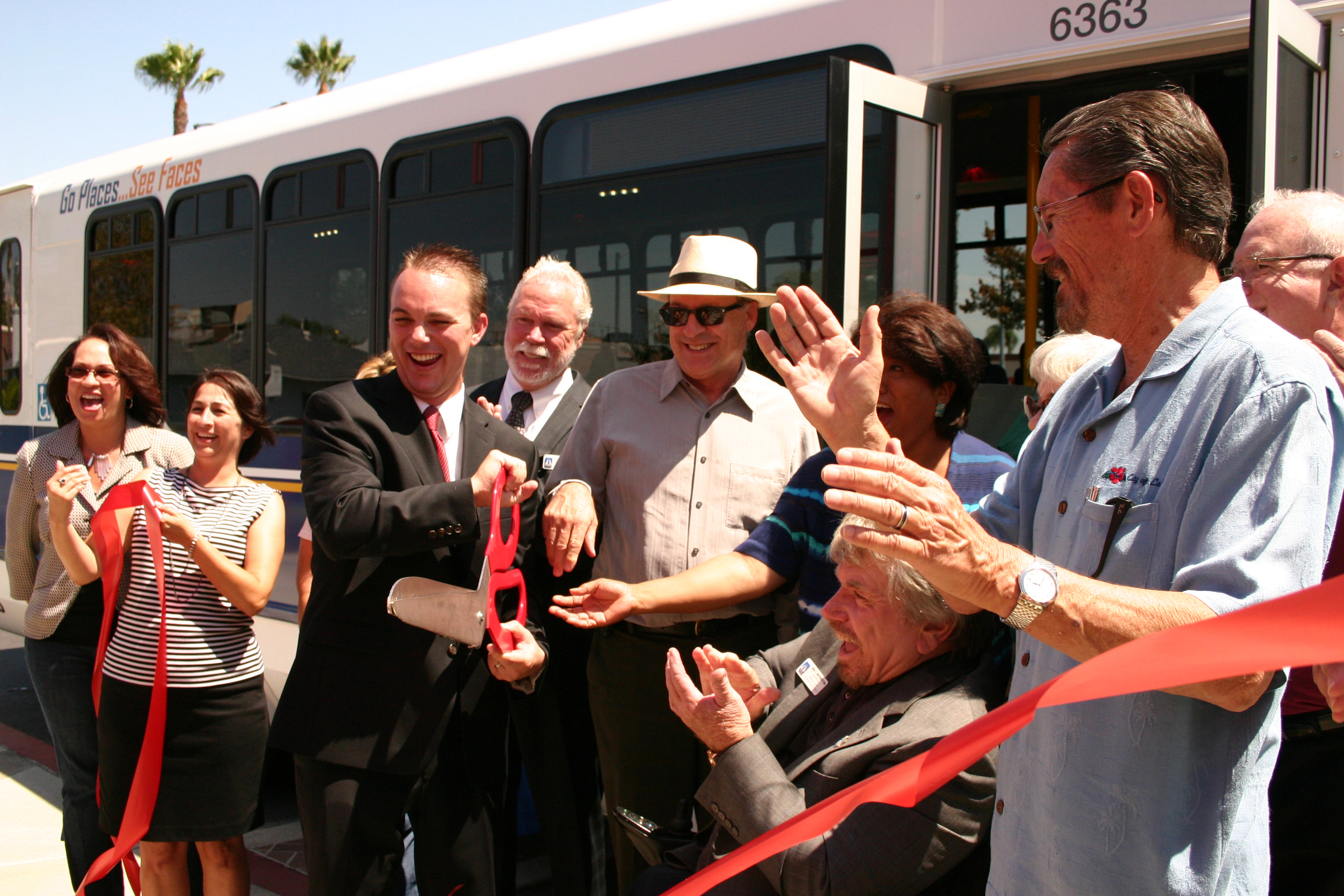 ribboncutting3